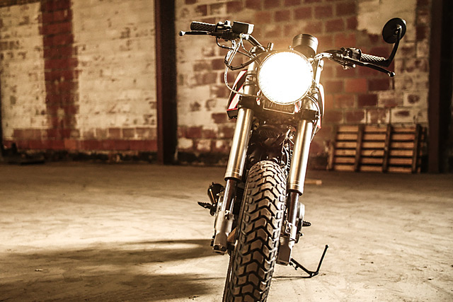 09_02_2016_Moto_Adonis_Yamaha_TR1_06