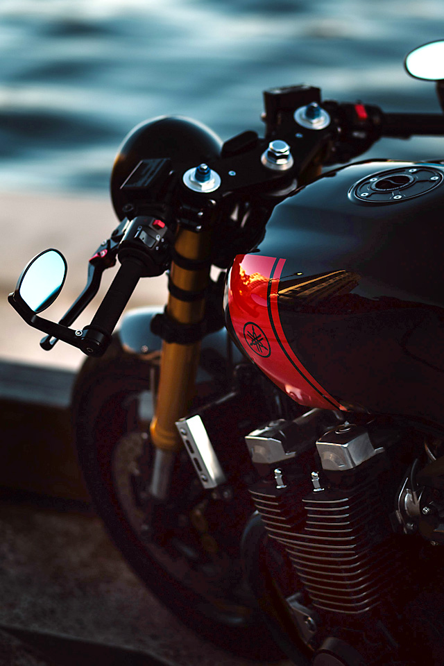 14_04_2016_Yamaha_XJR1300_Cafe_Racer_01