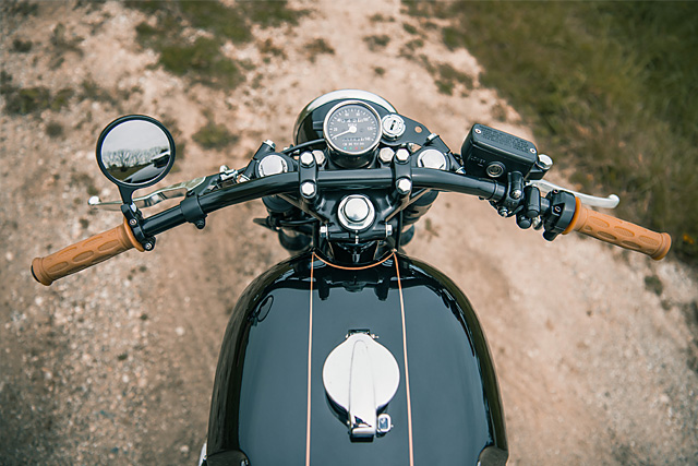 04_06_2016_Anaglog_Motorcycles_Honda_CB750_06