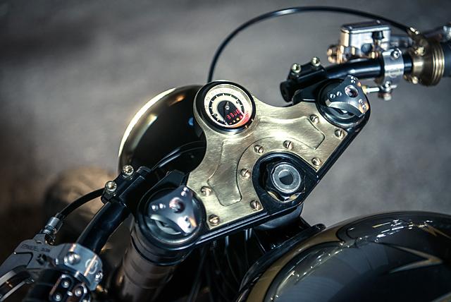 01_07_2016_Analog_Motorcycles_Triumph-_Bonneville_El_Matador_10