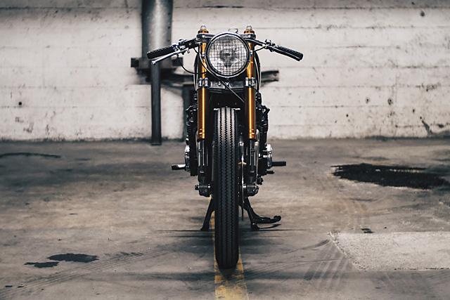 06_09_2016_Thirteen_and_Co_Yamaha_XJ550_Seca_cafe_racer_03