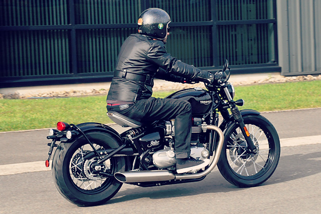 25_10_2016_triumph_bobber_ride_reveal_03