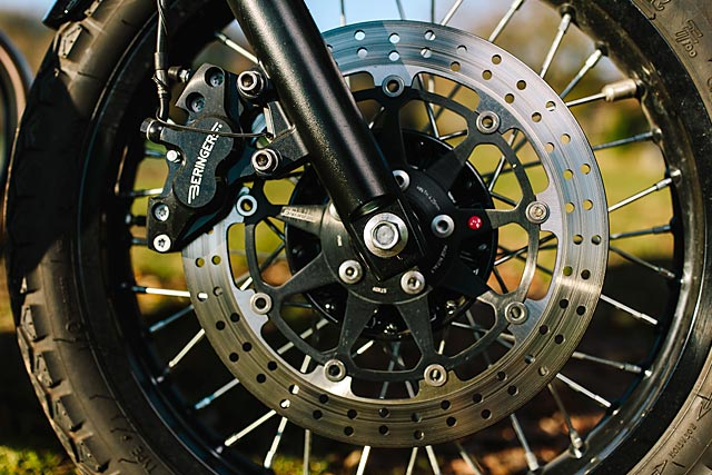 06_12_2-16_schlachtwerk_kawasaki_w800_black_tracker_brat_germany_custom_motorcycle_06