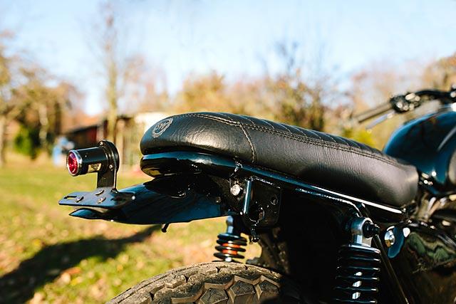 06_12_2-16_schlachtwerk_kawasaki_w800_black_tracker_brat_germany_custom_motorcycle_08
