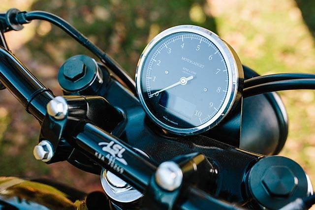 06_12_2-16_schlachtwerk_kawasaki_w800_black_tracker_brat_germany_custom_motorcycle_09
