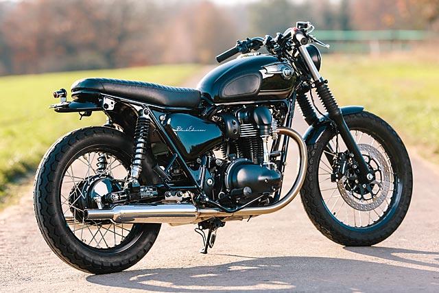 06_12_2-16_schlachtwerk_kawasaki_w800_black_tracker_brat_germany_custom_motorcycle_10