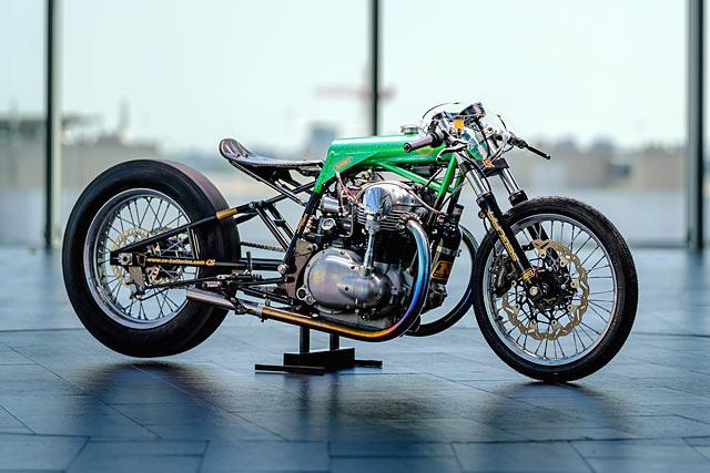 GOING GREEN. Schlachtwerk's 'Wasabi' Kawasaki W650 Sprint Racer
