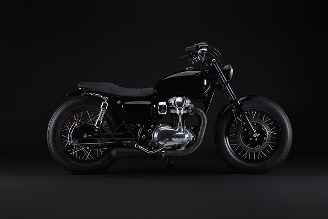BACK IN BLACK: 2012 Kawasaki W800 by Mike Andrews
