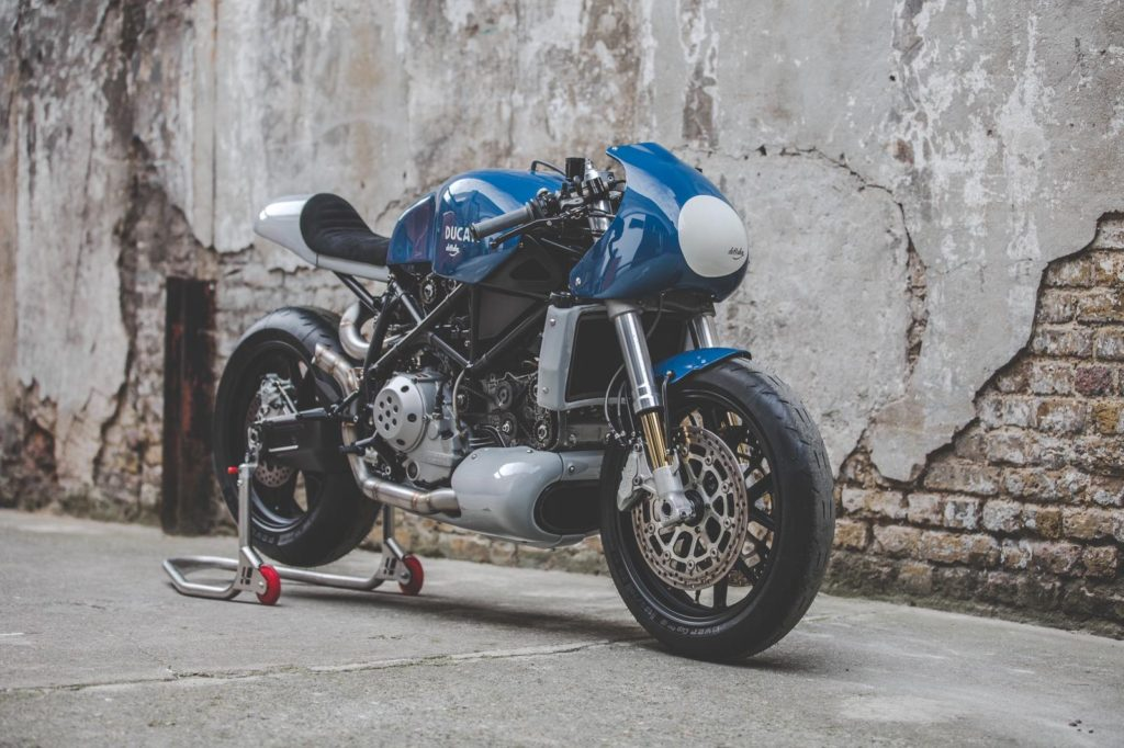 de Bees Knees: Ducati 749s by deBolex Engineering