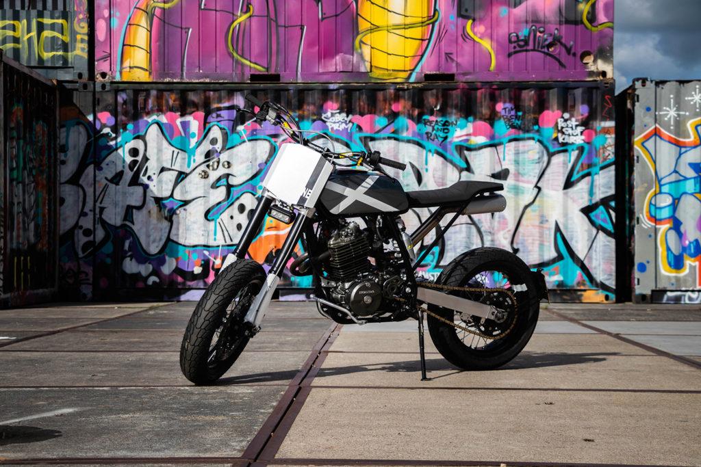HOOLIGAN STREET TRACKER: Honda XR600R ' Noisy Escape' by Vetvlek Garage.