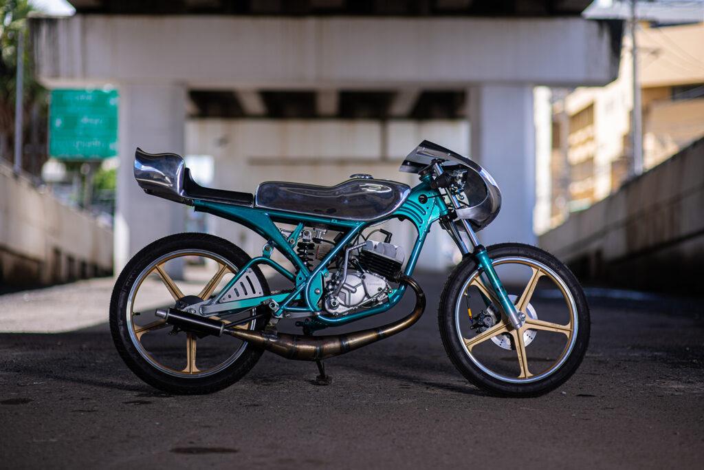 ALLOY ANNIVERSARY: Kawasaki AR80 'Cavalleggero' by Omega Racer.